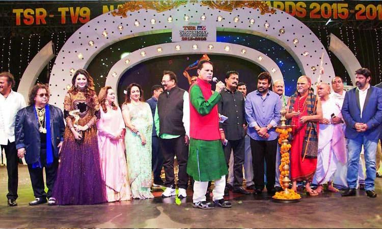 TSR Abhinaya Mayuri Award to Actress Jayasudha, జయసుధకు అపూర్వ సత్కారం..!