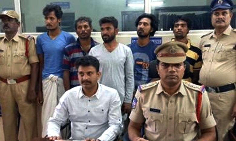 ఐదుగురు బంగ్లాదేశ్ వాసులు అరెస్ట్