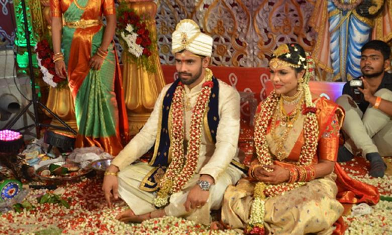 cricketer hanuma vihari wedding in hanmakonda, వైభవంగా క్రికెటర్ హనుమ విహారి వివాహం