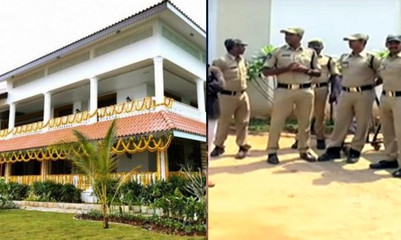 Police step up security at Jagan's Tadepalli residence, జగన్ ఇంటి వద్ద హై సెక్యూరిటీ..