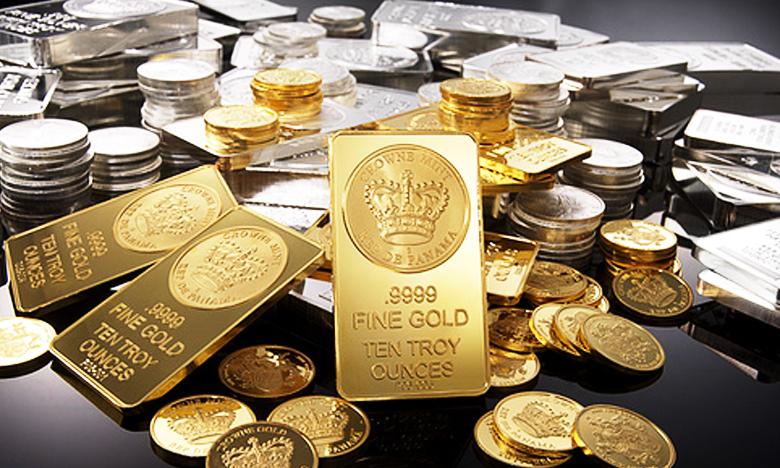 Gold prices drop by Rs 300 silver tumbles, భారీగా తగ్గిన పుత్తడి ధర