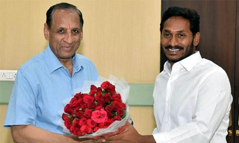 AP CM YS Jagan meets Governor Narasimhan, వీళ్లే మా కొత్త మంత్రులు..గవర్నర్కు జగన్ జాబితా!