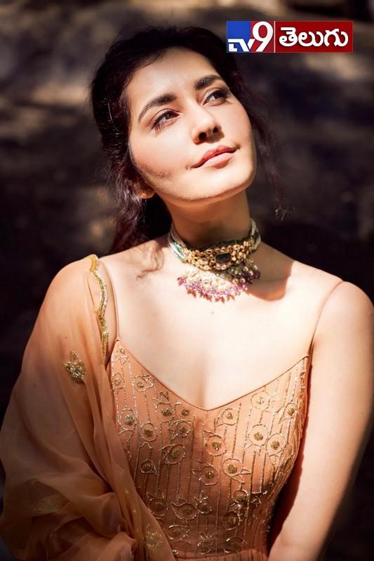 Raashi Khanna, 'రాశి ఖన్నా' న్యూ  ఫొటోస్