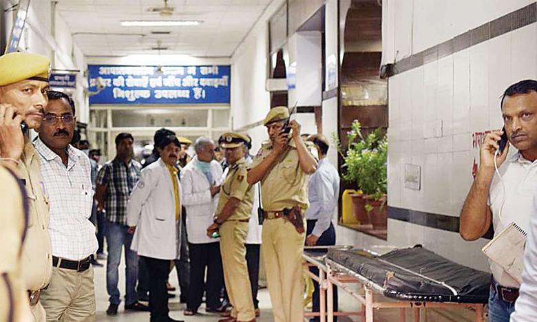 Attack on Doctors, ఢిల్లీ హాస్పటల్లో కోల్కతా సీన్..