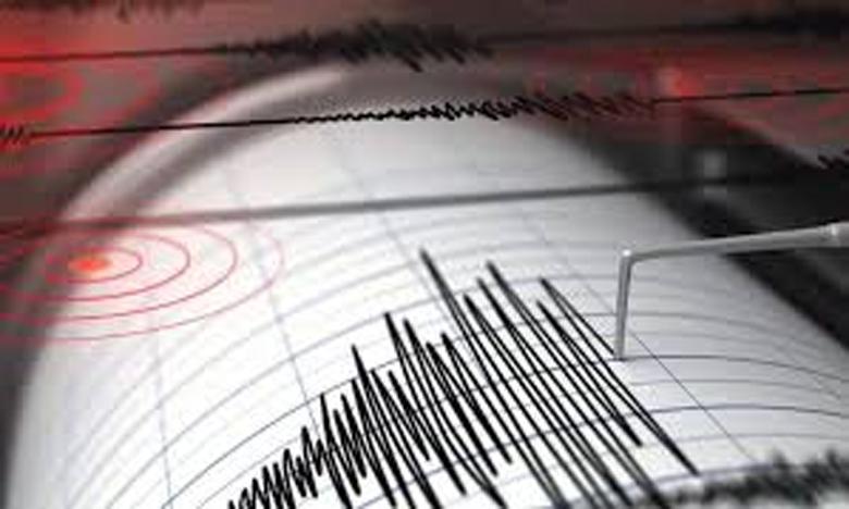 Strong 6.1 magnitude earthquake strikes southwest of Indonesia, ఇండోనేషియాలో భూకంపం