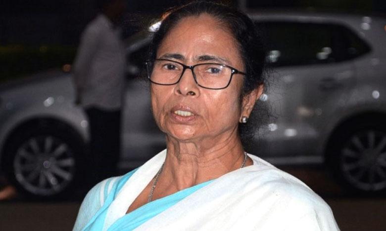 Mamatha Benerjee, దీదీకి 10 లక్షల ' జై శ్రీరామ్ ' పోస్టు కార్డులు.. బీజేపీ వ్యూహం