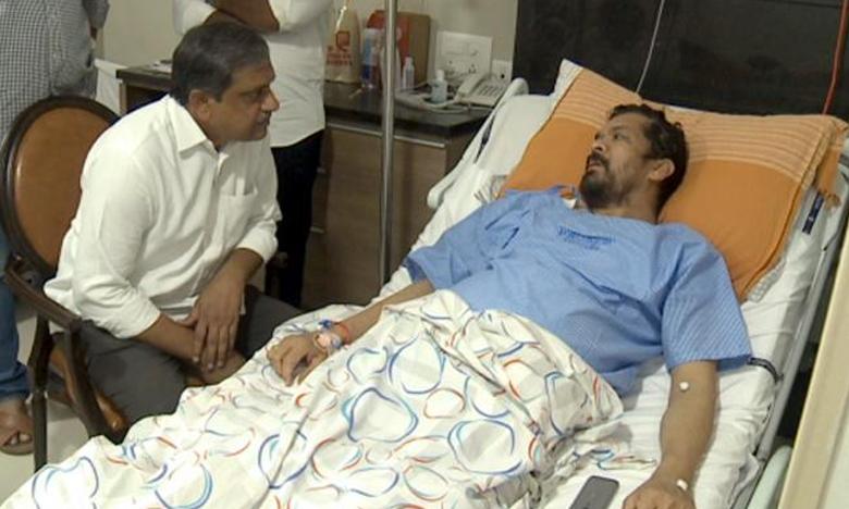 Sajjala Ramakrishna Reddy Visits Posani Krishna Murali At Yashoda Hospital, పోసానికి అస్వస్థత..పరామర్శించిన వైసీపీ నేత సజ్జల