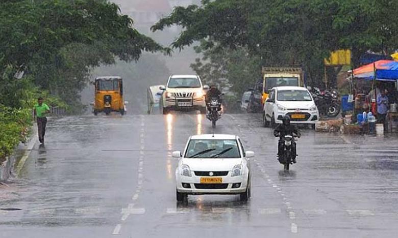 Monsoon 2019, అర్ధరాత్రి తడిసిముద్దయిన  నగరం