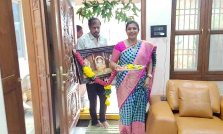 MLA Roja New House Warming, విజయవాడలో రోజా కొత్త ఇల్లు.. భర్తతో గృహప్రవేశం..
