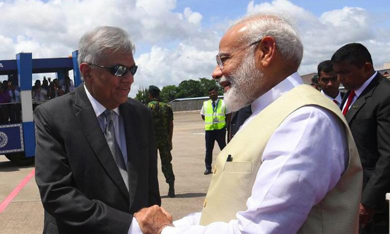 terror cannot defeat spirit of srilanka says pm modi in colombo, ఉగ్రవాదంపై శ్రీలంక పోరుకు బాసట..మోదీ