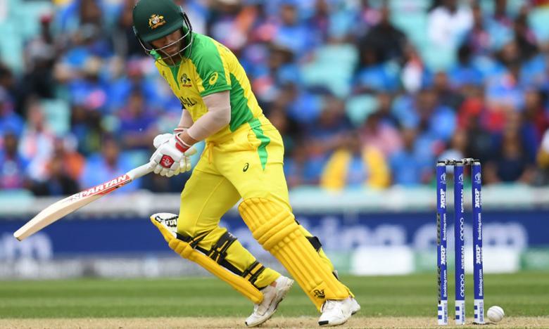 India vs Australia, బాల్ తగిలినా.. కింద పడని బెయిల్స్.. మిస్టరీ