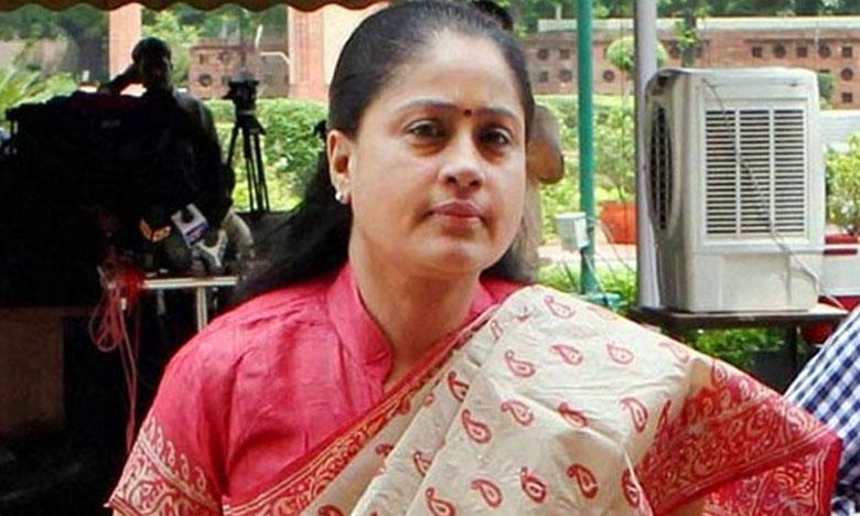 Vijayashanti, ముఖానికి మళ్లీ మేకప్.. రాములమ్మ ఇకపై సినిమాల్లోనే కొనసాగుతారా..?