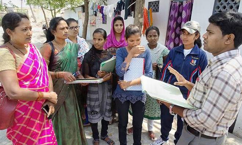 Teacher Volunteers, వాలంటీర్ పోస్టులలో మహిళలకే పెద్ద పీట