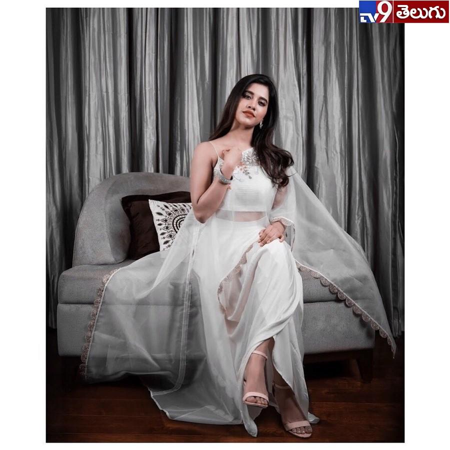 Nabha Nattesh, 'నభా నటేష్' న్యూ ఫొటోస్