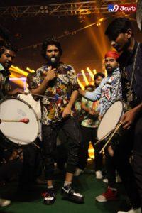 Dear Comrade Music, అట్టహాసం గా 'డియర్ కామ్రేడ్' మ్యూజిక్ ప్రభంజనం