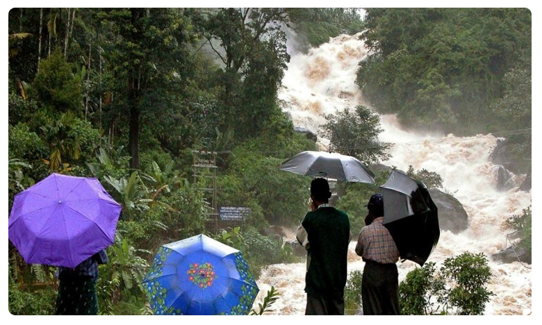 Red alert in Kerala, కేరళలో రెడ్ అలర్ట్… భారీ వర్ష సూచన!