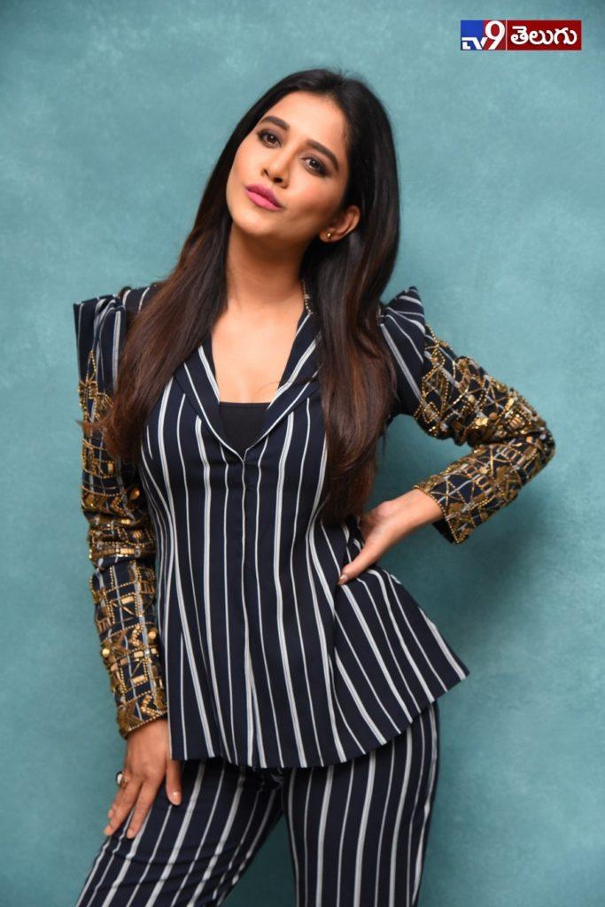 Nabha Natesh New Photos, 'నభా నటేష్' అందం.. దిమాక్ ఖరాబ్