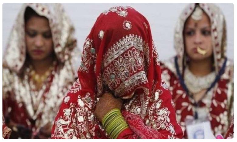 Two girls Marriage, ఇద్దరమ్మాయిల పెళ్లి.. వారణాసిలో వింత