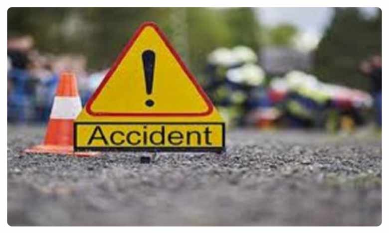 Road accident at Rajupalem in Guntur district