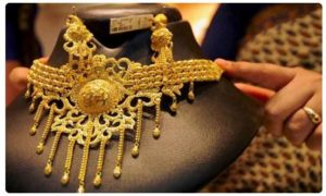 Gold touches fresh all-time high of Rs 38,770 on jewellers' buying; silver plunges Rs 1,100
