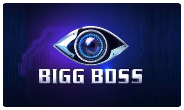 Tamil Bigg Boss Contestant Madhumitha Attempts Suicide inside Bigg Boss 3 house