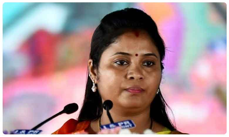 One of Andhras Deputy Chief Ministers Pushpa Srivani Slams Chandrababu Naidu