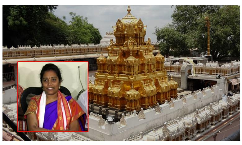 Vijayawada Durga temple EO Koteswaramma injured after pieces of slab fall on her, దుర్గగుడిలో ఊడిపడ్డ శ్లాబ్ పెచ్చులు: ఈవో కోటేశ్వరమ్మకు స్వల్పగాయాలు
