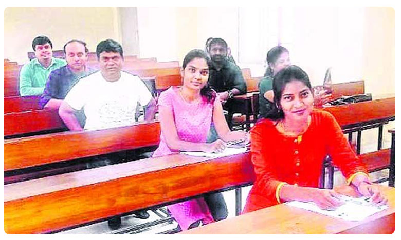 MLA Jeevan Reddy appears for LLM exam at Warangal Kakatiya University