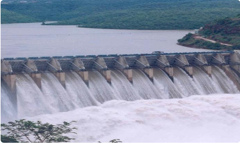 flood water levels decreased in Srisailam and Jurala projects