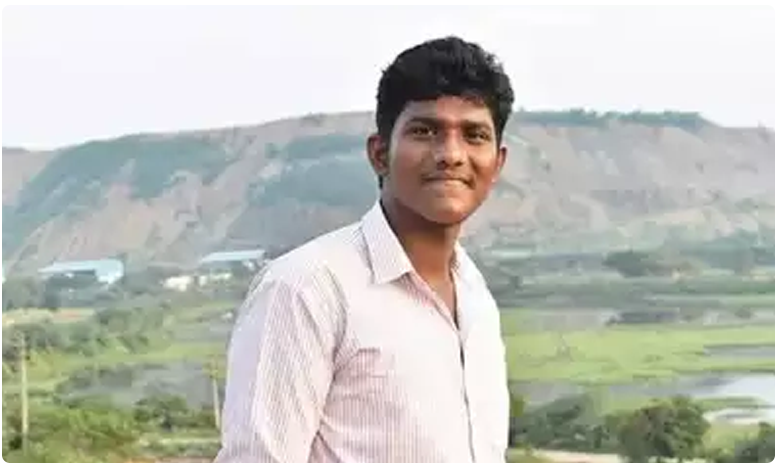 Degree Final Year Student Dhwarakanath Brutally Murdered In Tirupathi, కాలేజ్లో గ్యాంగ్ వార్.. స్టూడెంట్ దారుణ హత్య..!