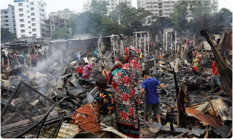 Bangladesh fire leaves 10,000 homeless after blaze razes slum