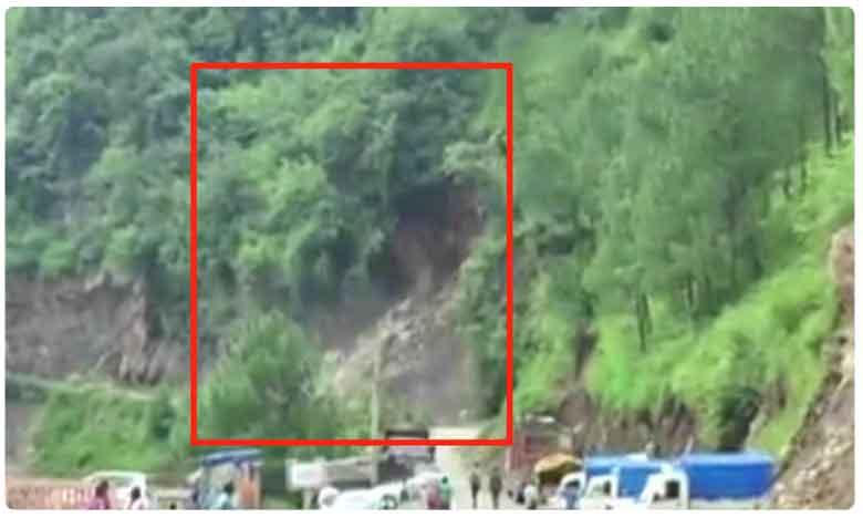 Landslide in Himachal's Sainj Valley blocks road connectivity, హిమాచల్లో విరిగిపడ్డ కొండచరియలు..
