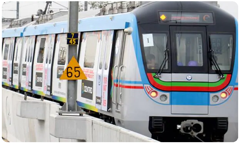 Metro sees highest footfall as 3.06L take a ride on Thursday
