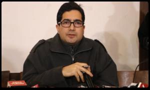 Jammu Kashmir Leader Shah Faesal stopped