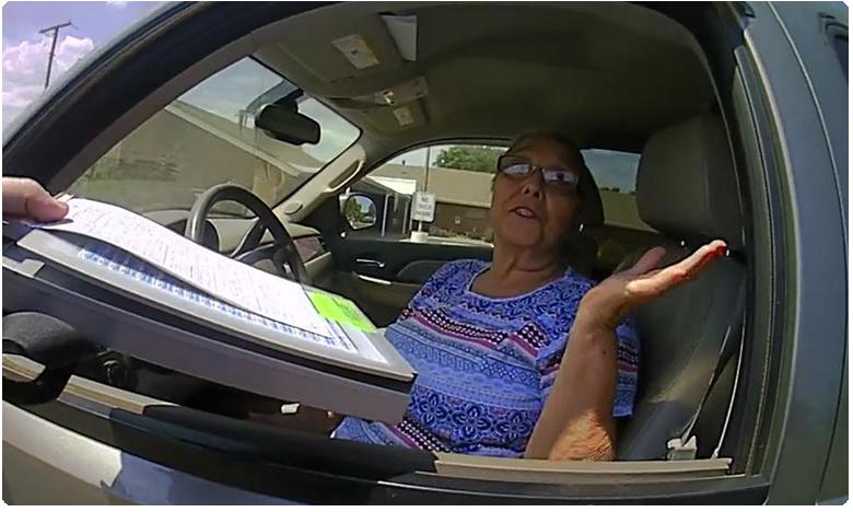 Woman arrested for refusing to sign 'fine' ticket in Oklahoma, పోలీసులకే  చుక్కలు చూపించింది  ఈ అమెరికా బామ్మ..