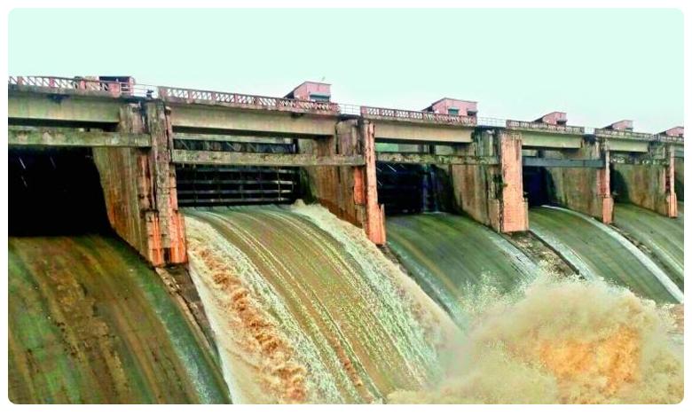 Flood Water Increased At Kaleshwaram Project Due To Rain, జోరు వానలు.. ప్రాజెక్టులకు పోటెత్తిన వరదలు!