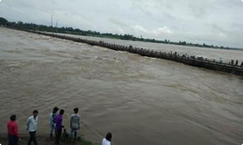 Heavy flood water in Jogulamba district, Imd alerts