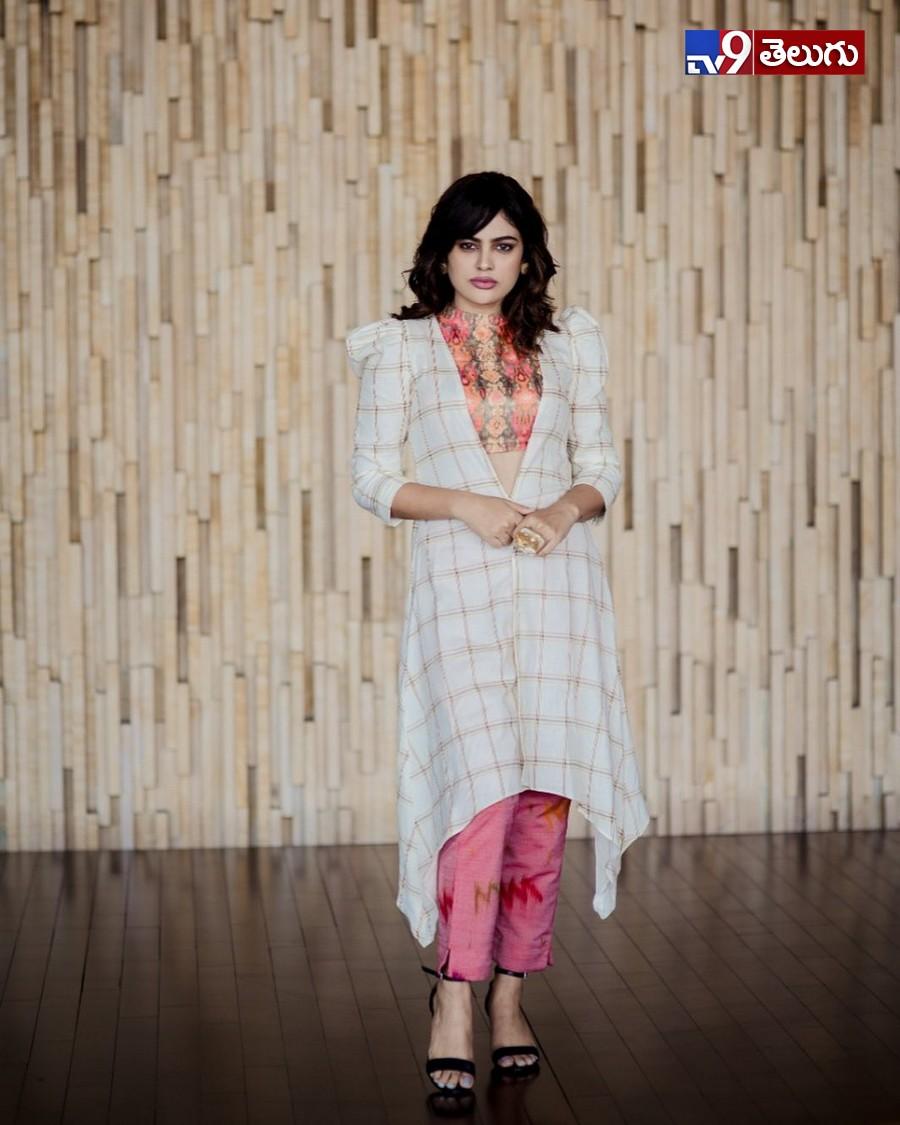 Nanditaswethaa Photo Gallery, అదిరిపోయిన  'నందిత శ్వేతా' లేటెస్ట్ ఫొటోస్