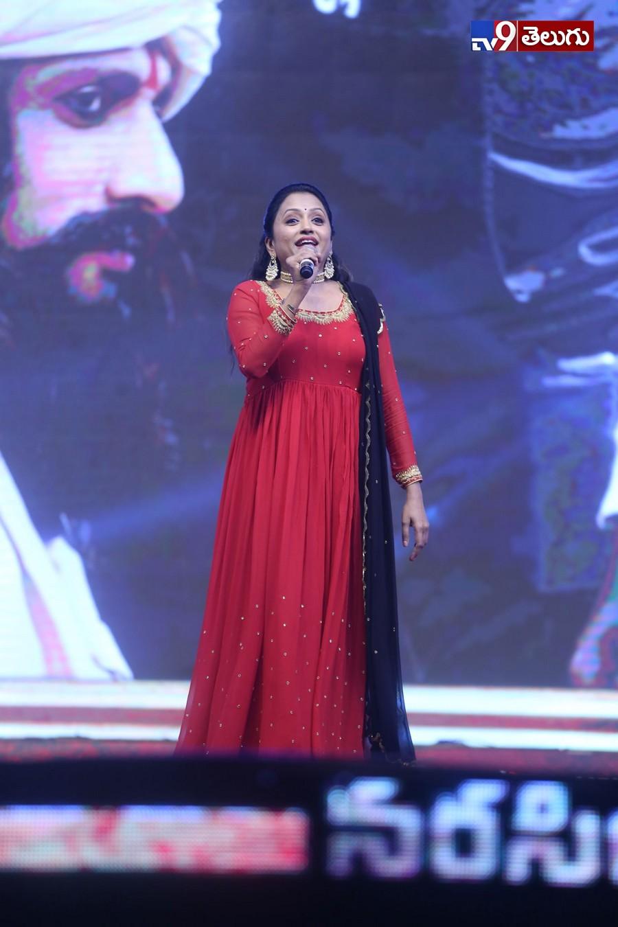 Sye Raa Narasimha Reddy pre release event Photos, మొదలైన సైరా నరసింహ రెడ్డి హంగామా
