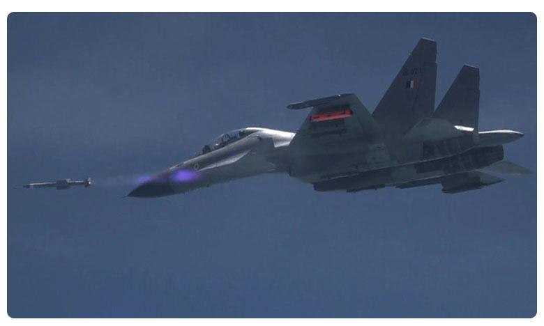 India test-fires air-to-air missile Astra from Sukhoi jet, భారత అమ్ములపొదిలో మరో మిస్సెల్.. దీని స్పెషాలిటీ ఏంటో తెలుసా..?