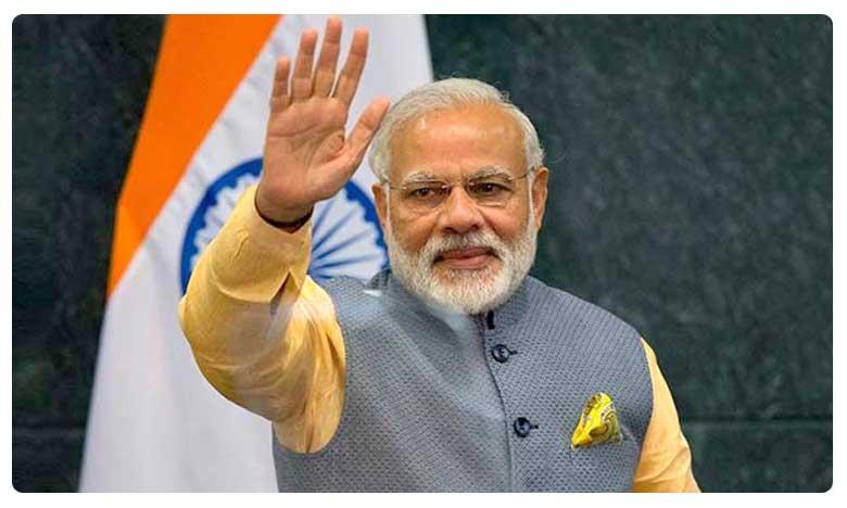 PM Narendra Modi thanks Anushka Sharma and Sonam Kapoor for encouraging Isro