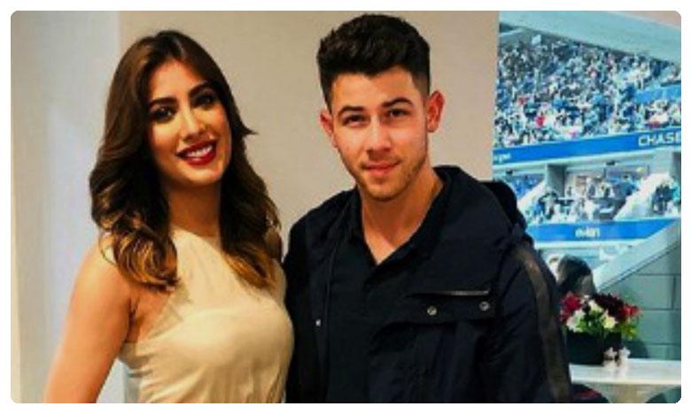 Mehwish Hayat Meets Nick Jonas and Twitter Cannot Stop Talking About Priyanka Chopra, ప్రియాంకా ! నీకు ' పోటీ ' వచ్చేస్తోందా ? నిక్ జొనాస్ తో పాక్ నటి !