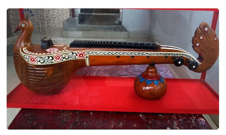Veenas are made of Panasa wood, వీణ పలుకుల కాణాచి బొబ్బిలి!