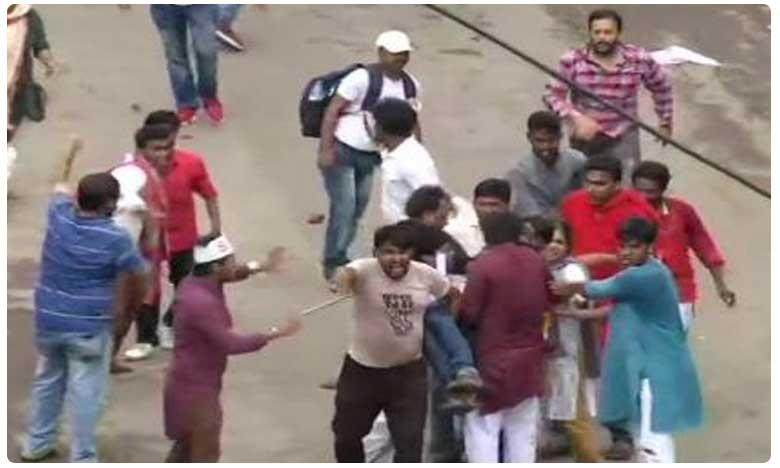 Left activists, cops clash near West Bengal secretariat