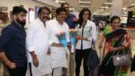 "Deepika Padukone's reaction to badminton player P V Sindhu calling her 'talented and beautiful' is priceless, సింధు కామెంట్స్కి.. ""లవ్ యూ ఛాంప్"" అంటూ దీపిక రిప్లై!"