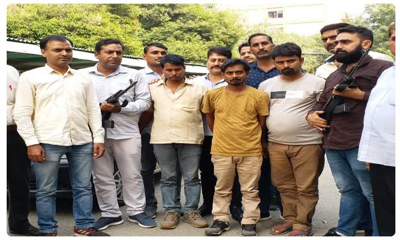 Delhi Police recover heroin worth Rs 100 crore, రూ.100 కోట్ల హెరాయిన్..పక్కా స్కెచ్..బట్..!