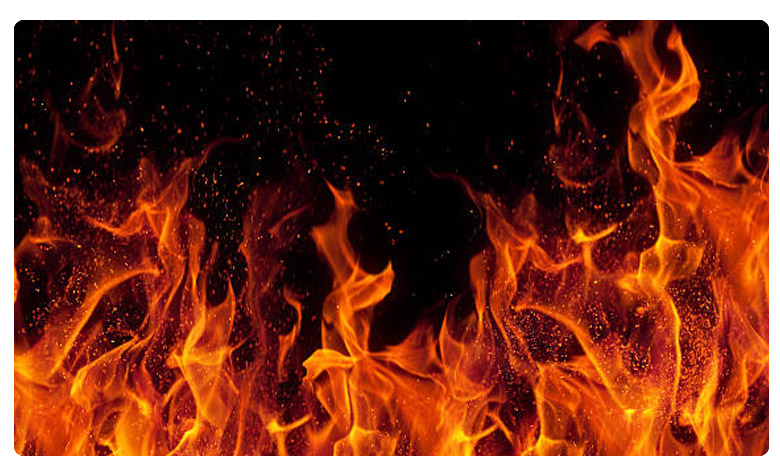Explosion at fireworks manufacturing plant in East Godavari District, తూర్పుగోదావరి జిల్లా బాణసంచా తయారీ కేంద్రంలో పేలుడు!