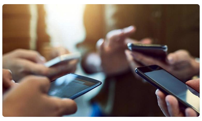 J&K restriction free postpaid mobile phones to be restored from Monday, జమ్ము కశ్మీర్లో మళ్లీ మోగనున్న ఫోన్లు.. ఎప్పటినుంచో తెలుసా?
