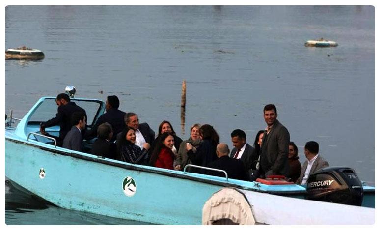 The EU lawmakers Srinagar visit ended with a trip to Dal Lake where they were seen taking a boat ride, భారత్ లో ఈయూ ఎంపీలు.. ఏమంటున్నారు ?