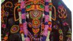 CM KCR Pictures Are Engraved on Yadadri Temple Pillars triggers controversy, యాదాద్రి రాతి స్తంభాలపై సారు… కారు… సర్కారు…! సోషల్ మీడియాలో సెటైర్లు!
